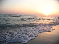 Песчаный пляж в Поповке, отдых в Евпатории